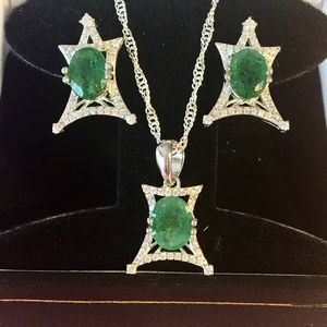 Natural Emerald Pendant Necklace & Earring Set